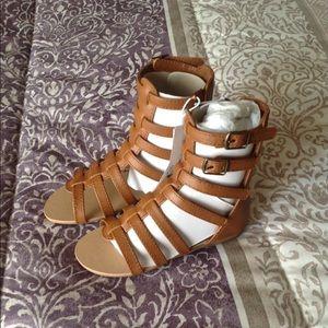 Old Navy Gladiator sandals size 8